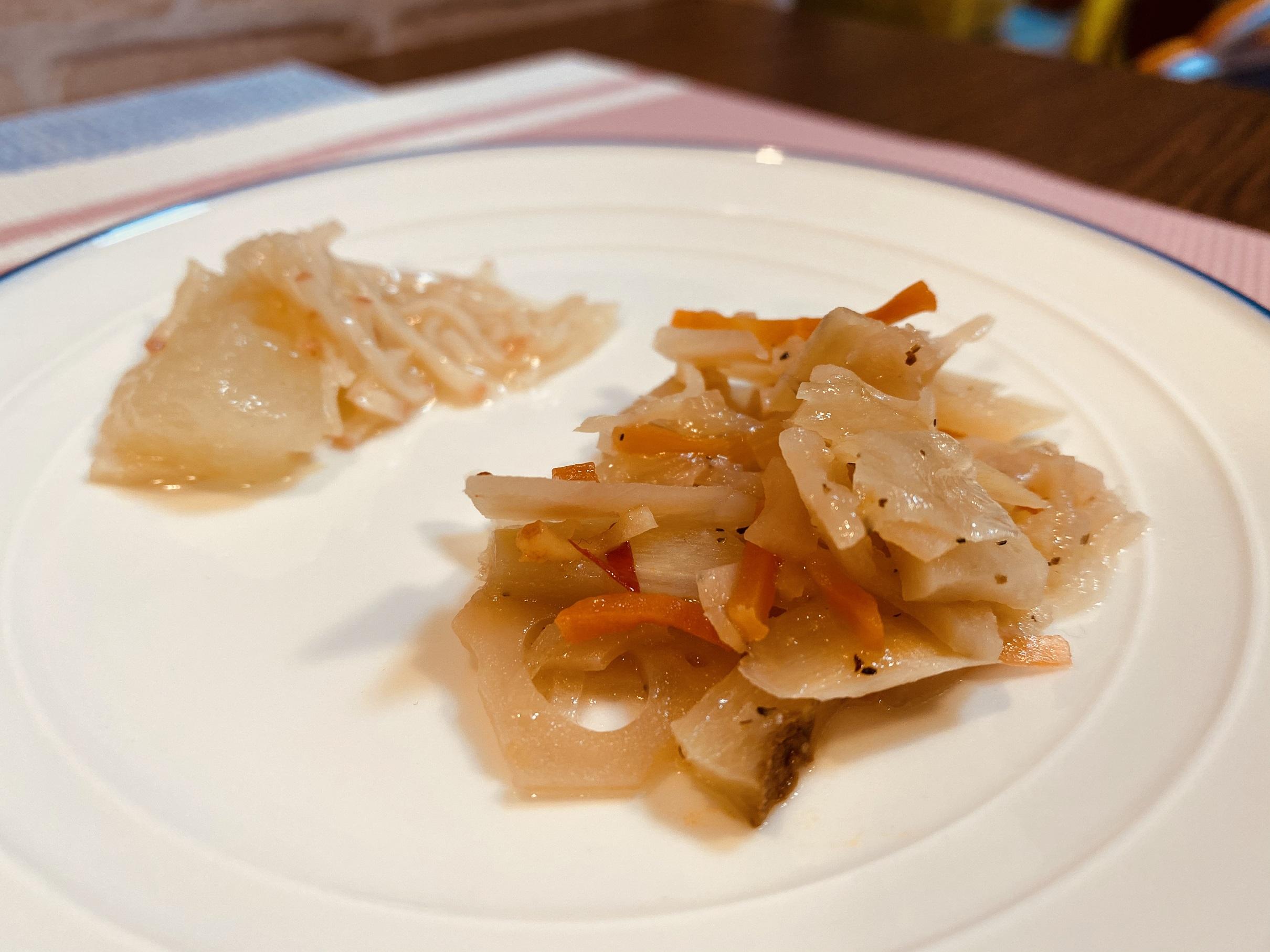 (メニューの一例)冬瓜のカニ風味あんかけ、レンコンの和え物
