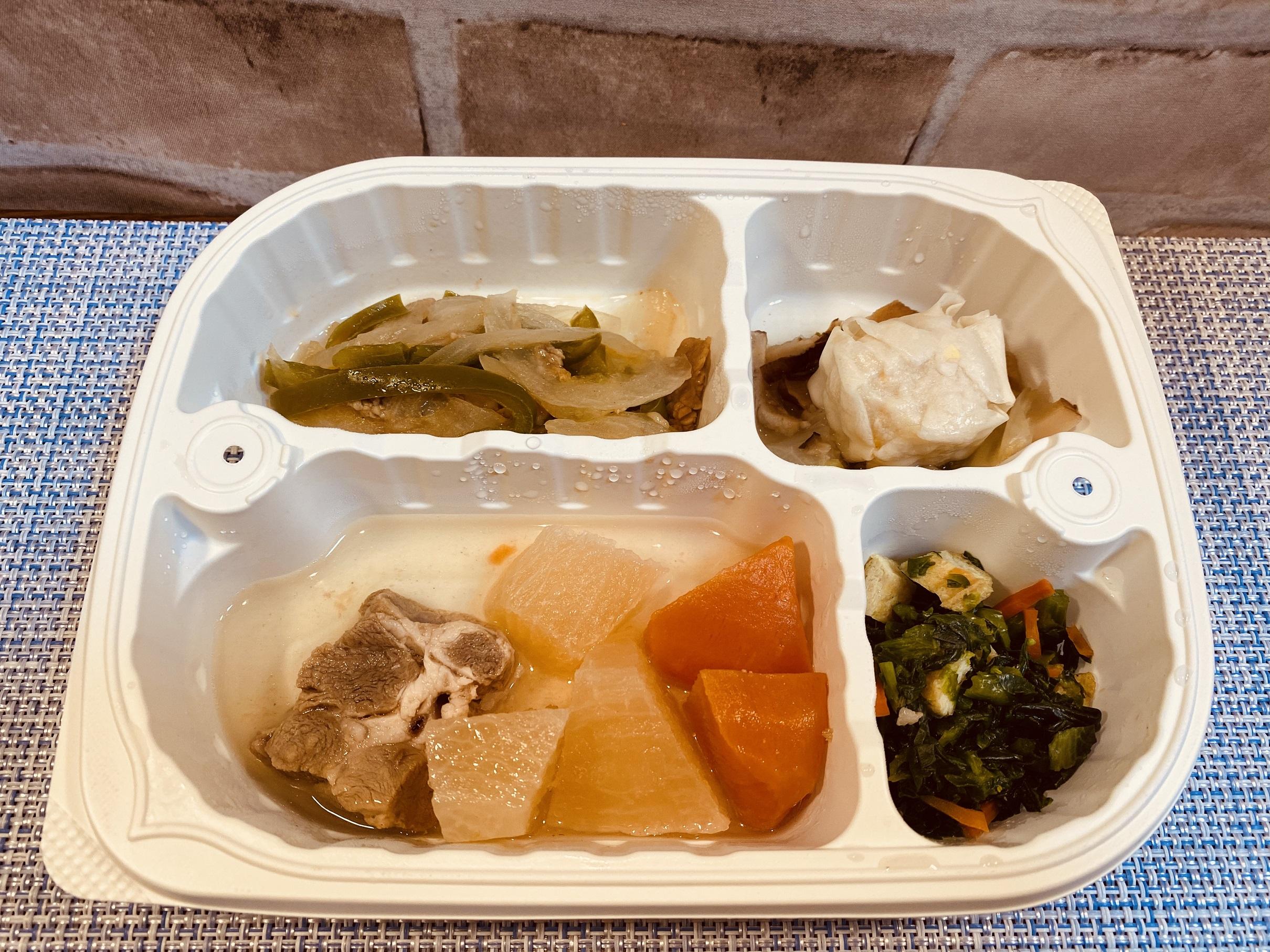 (メニューの一例)豚肉とかぶの味噌煮、牛肉の野菜炒め、コーンしゅうまい、菜の花おひたし