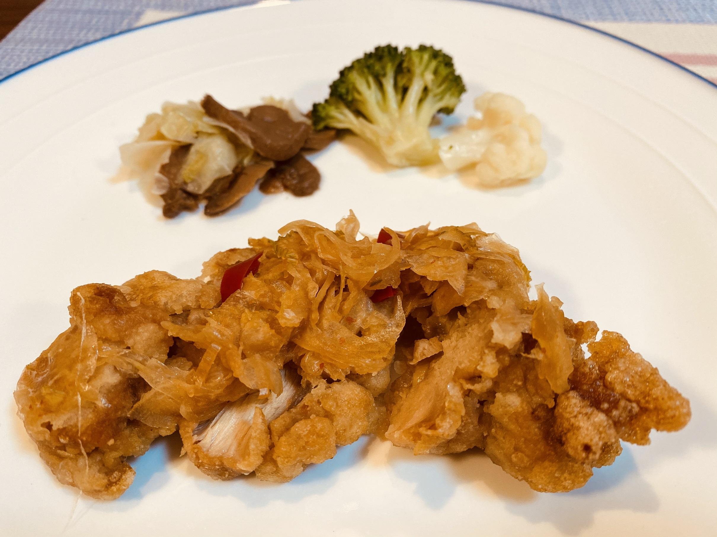 (メニューの一例)鶏南蛮、野菜のコンソメ煮